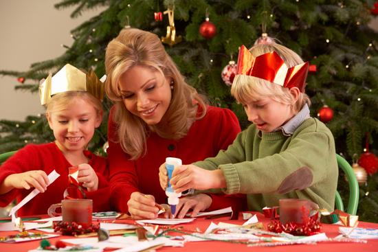 estn a punto de comenzar y en estos das que estarn tus hijos en casa una buena idea para que os entretengis y disfrutis todos juntos es decorar