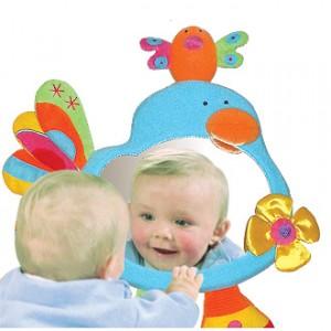 Juegos y juguetes para ni os de 12 a 18 meses edukame for Espejo para mirar bebe auto