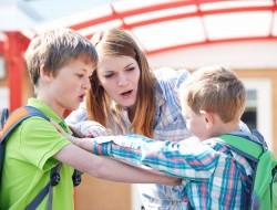 Cómo enseñar a mi hijo a defenderse sin usar la violencia