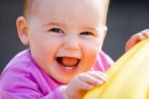 Video: El bebé que rie con la Wii