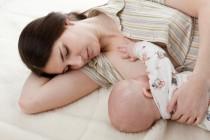 Mi bebé me pide pecho por las noches cada hora