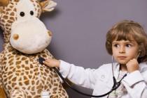 El niño que va al médico suele sentir miedo