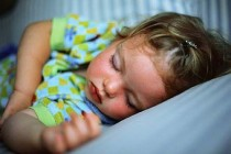 A mi hijo le cuesta dormir en su cama