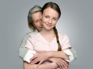 abrazo madre e hija