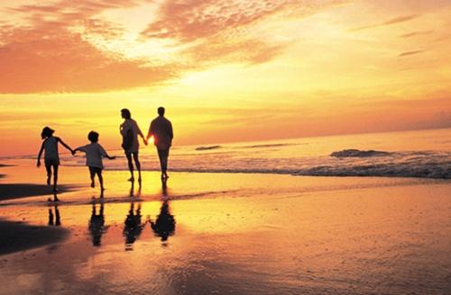 familia-sol-playa