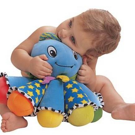 ... muñeco 300x300 Consulta:mi hijo de dos años no comparte sus juguetes