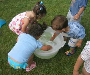 Juegos para disfrutar del verano edukame for Adaptacion jardin