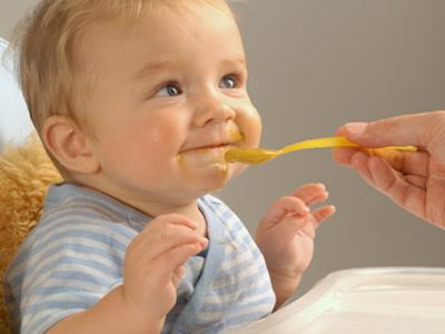 Comer puede bebe papilla que un edad a