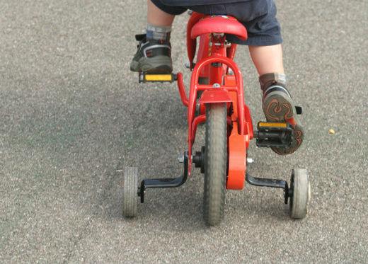 Cómo Enseñar A Un Niño A Usar La Bicicleta
